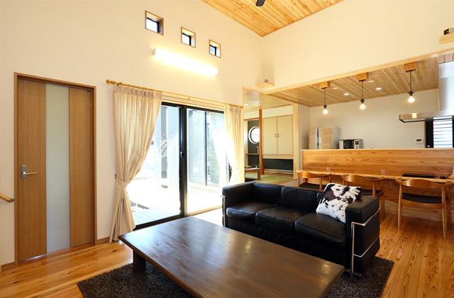 万代ホーム 中2階+スタディスペース・床下収納・小屋裏収納・掘りごたつなど楽しくなる空間がある平屋