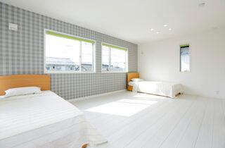 子供部屋 - 施工事例 万代ホーム - 広々リビングとウッドデッキスペースに家事楽々動線のある2階建ての家