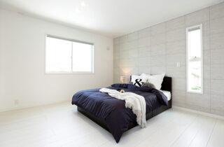 寝室 - 施工事例 万代ホーム - 広々リビングとウッドデッキスペースに家事楽々動線のある2階建ての家