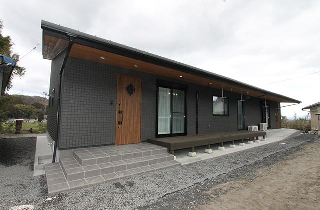 ニシヤマホーム 大工の父が建てた3世代がひとつ屋根の下に安心して暮らす2世帯住宅 (都城市)